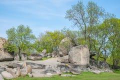 Beglik Tash - formação de rocha da natureza, um santuário pré-histórico da rocha Foto de Stock