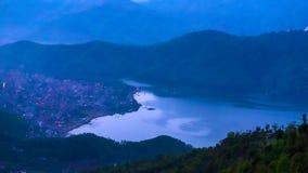 Begnas Tal, Nepal med Annapurnaen Himalaya som är synlig i bakgrunden royaltyfri fotografi