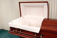 Begräbnis- Schatulle Lizenzfreie Stockbilder