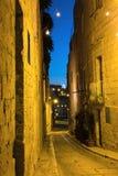 Begränsa historiska gator av Birgu eller Vittoriosa, i Malta Royaltyfri Fotografi