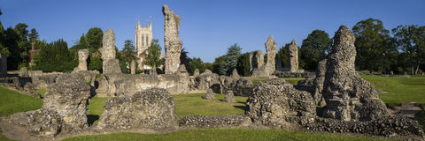 Begraaf St Edmunds Abbey Remains en St Edmundsbury Kathedraal stock foto's