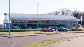BEGRAAF ST EDMUNDS, HET UK - 18 APRIL 2015: Het officiële sh handel drijven van Audi Stock Foto's