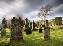 Begraafplaats met grafstenen Royalty-vrije Stock Foto's