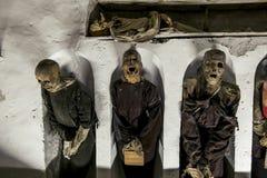 Begrafenis in de catacomben van Capuchins in Palermo sicilië stock afbeelding