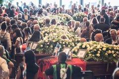 Begrafenis voor de slachtoffers van de Morandi-brug, Genua wordt gehouden dat stock afbeelding
