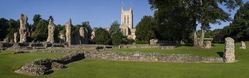 Begrava domkyrkan för St Edmunds Abbey Remains och för St Edmundsbury Arkivfoton
