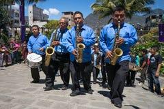 Begravnings- musikband för marsch i Guatemala Royaltyfri Fotografi