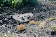 Begravt hus på Mt etna mt sicily Royaltyfria Foton