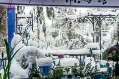 Begravt i snö 2 fotografering för bildbyråer