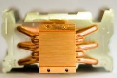 Begrepp av att kyla för luft av den centrala processorn av ett Aluminum element för dator med koppar royaltyfria foton