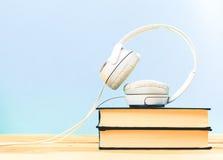 Begrepp av audiobook Fotografering för Bildbyråer
