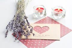 Begrepp av bokstaven för förälskelse för dag för valentin` s på vit bakgrund Royaltyfri Fotografi