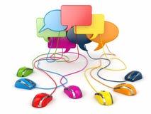Begrepp av det sociala nätverket. Forum eller pratstundbubblaanförande. Royaltyfri Bild