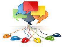 Begrepp av det sociala nätverket. Forum eller pratstundbubblaanförande. Arkivfoton