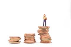 Begrepp av finansiellt hyvla för kvinna Arkivfoton