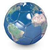 Begrepp av fotbollbollen med en utskrivaven värld vektor illustrationer