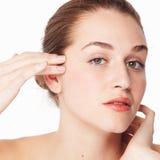 Begrepp av kvinnlig skönhet och eyecaren för naturligt skämma bort Royaltyfri Fotografi