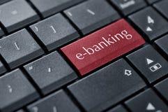 Begrepp av online-bankrörelsen arkivbilder