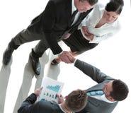 Begrepp av partnerskap - handskakning av affärspartners Arkivfoton