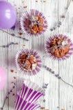 Begrepp av sikten för träbakgrund för muffin för dag för valentin` s den bästa Arkivfoto