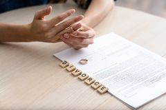 Begrepp av skilsmässan Arkivbild