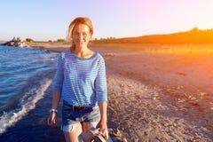 Begrepp av sommarferier på havet och direkt stil royaltyfria bilder