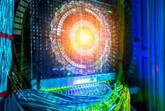 Begrepp av stora data Hologramteknologibakgrund över värddatoren med kablar i kablar för nätverksströmbrytare och UTP Ethernet Royaltyfria Bilder