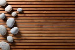 Begrepp av zenbrunnsorten, massagen, mindfulness eller wellbeing, kopieringsutrymme Royaltyfria Bilder