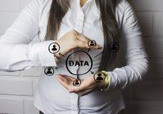 Begrepp för affärsknappdata Arkivbilder