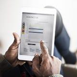 Begrepp för affärsmanUsing Digital Tablet teknologi Royaltyfria Foton