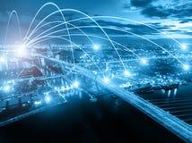 Begrepp för affärsnätverkandeanslutning och Wi-Fi i stad Technol Royaltyfri Fotografi