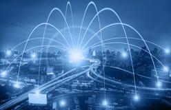 Begrepp för affärsnätverkandeanslutning och Wi-Fi i stad Technol Fotografering för Bildbyråer