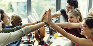 Begrepp för arbetsplats för möte för teamworkmakt lyckat Royaltyfri Fotografi