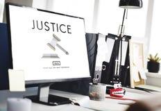 Begrepp för auktionsklubba för domarerättvisaJudgement Legal Fairness lag royaltyfria bilder