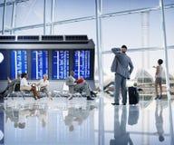 Begrepp för avvikelse för lopp för terminal för flygplats för affärsfolk Fotografering för Bildbyråer