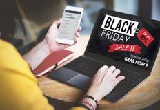 Begrepp för befordran för pris för Black Friday rabatt halvt Arkivbilder
