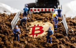Begrepp för blockchain för Digital faktiskt cryptocurrencypengar royaltyfria bilder