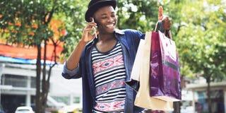 Begrepp för Consumerism för kund för manshoppingutgifter royaltyfri fotografi