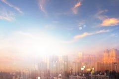 Begrepp för dag för världsmiljö: Luftföroreningstad royaltyfria bilder