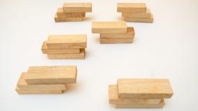 Begrepp för differentiering för träsnittbegreppsaffär på vitbac arkivbild