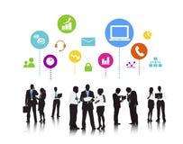 Begrepp för diskussion för teknologi för massmedia för affärsfolk socialt royaltyfri illustrationer