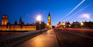 Begrepp för exponering för afton för stadsWestminster trafik royaltyfri bild