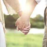 Begrepp för förhållande för passion för förälskelsesamhörighetskänslapar arkivfoton