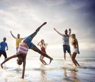 Begrepp för ferie för sommar för kamratskapfrihetsstrand royaltyfri bild