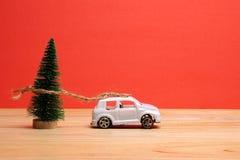 Begrepp för ferie för slutår globalt Ferie- och julberöm Arkivfoton