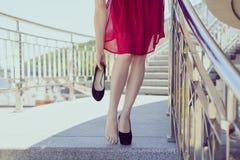 Begrepp för frihetskomfortfot-kläder tillbehör Övre siktspho för slut royaltyfria bilder