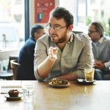 Begrepp för fritid för möte för kafékaffeefterrätt tillfälligt arkivbild