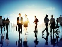 Begrepp för gångare för Cityscape för pendlare för affärsfolk företags royaltyfri bild
