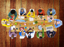 Begrepp för gemenskap för seminarium för etnicitetåhörarefolkmassa gladlynt arkivbild