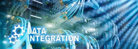 Begrepp för informationsteknik om dataintegration på serverrumbakgrund royaltyfri foto
